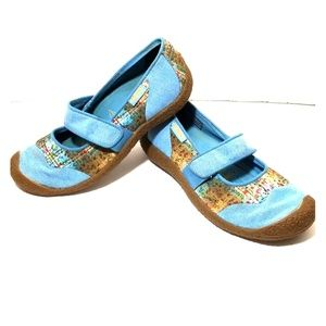 Keen blue floral mary Jane slip on size 8